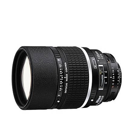 Nikon AF DC-Nikkor 135mm f/2D Telephoto Lens - Black